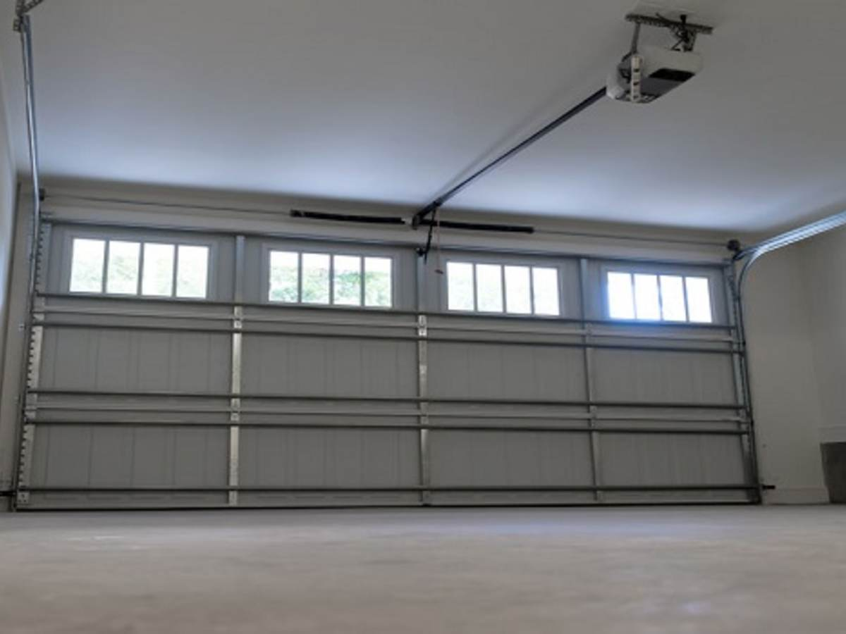 41854340 - residential house two car garage interior